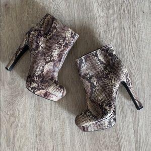 MOSSIMO Platform Genuine Leather Snakeskin boots